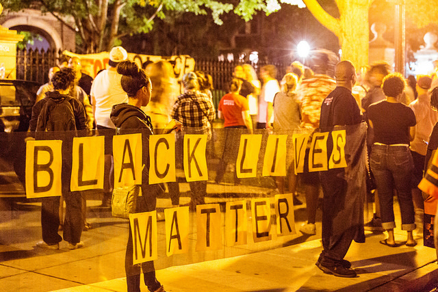 Community members gather outside the Governor's Residence in Saint Paul, Minnesota on July 7, 2016. Image by Tony Webster | CC BY-SA 2.0