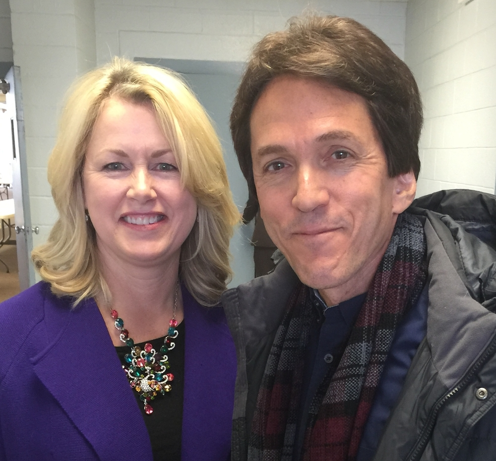 Sharing rostrum with Mitch Albom in Cincinnati, Ohio
