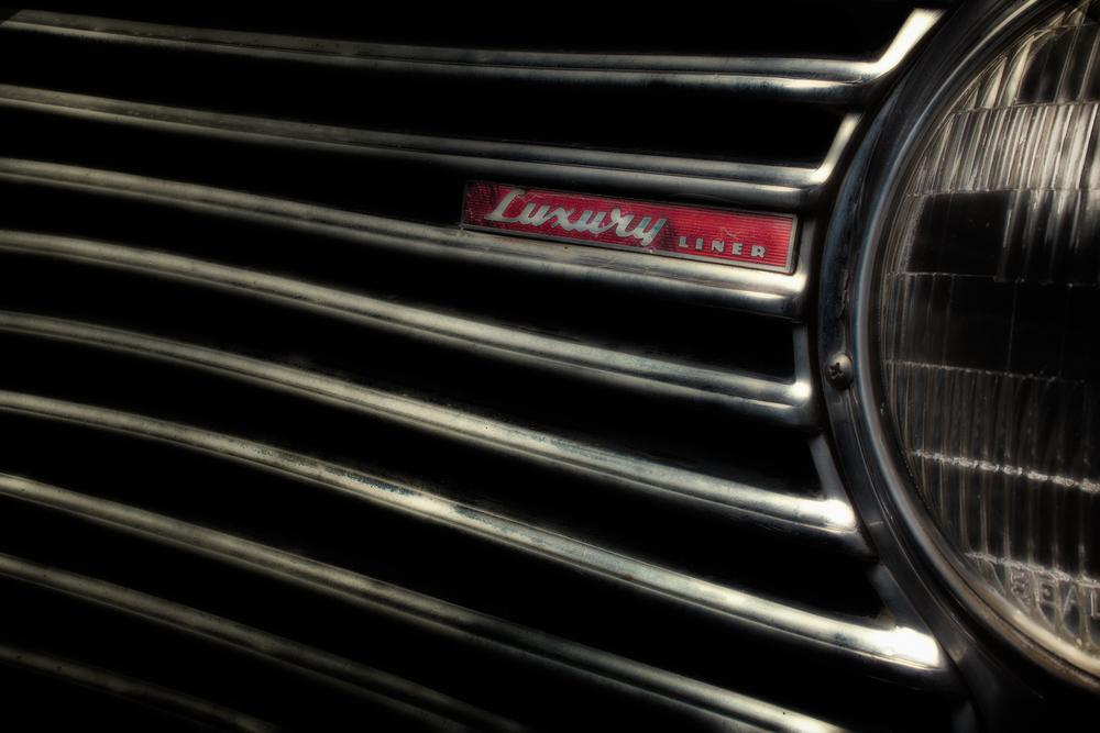 1941 Dodge Luxury Liner 1.jpg