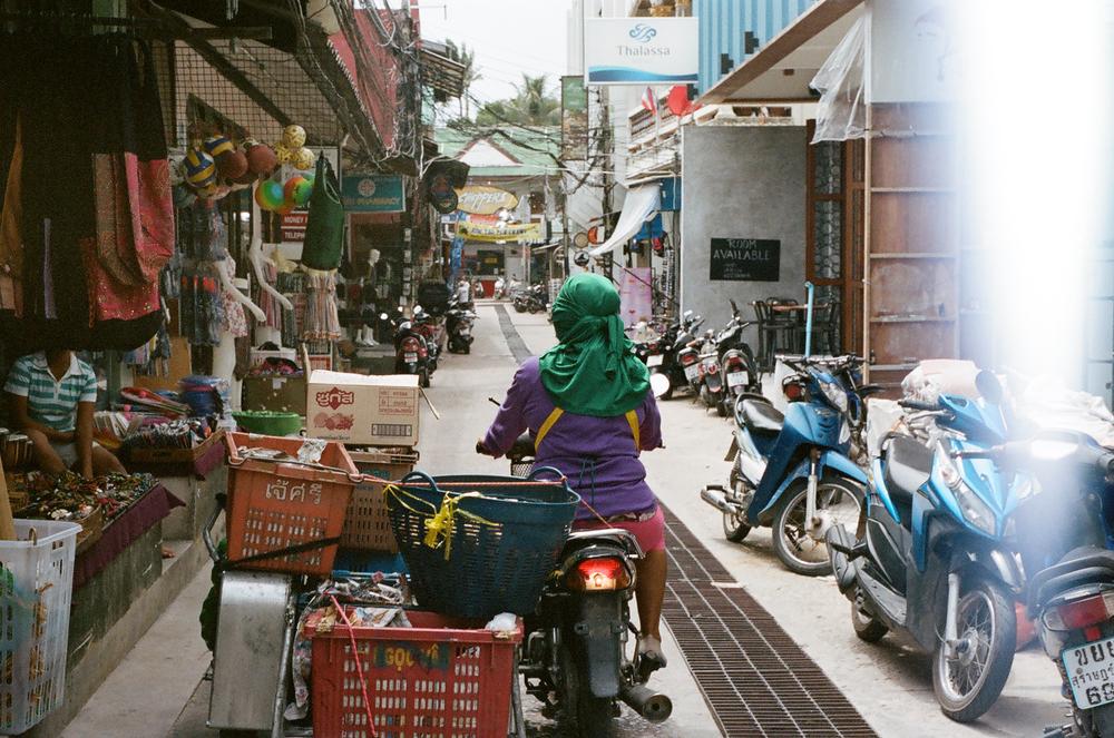 ASHarris - Nikon FE2 - Kodak Portra 400 - Thailand - 8 copy.JPG