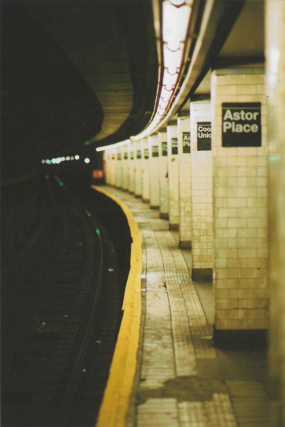 ASHarris - Nikon N65 - Fujicolor Superia X-TRA400 - New York - 38 copy.jpg