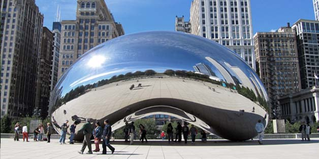 Anish Kapoor's Cloud Gate Photo source : chicagotraveler.com