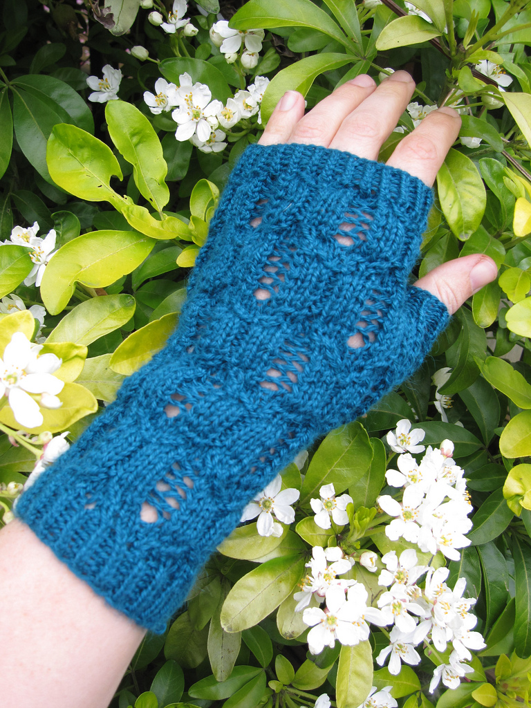 Tower Bridge Mitts - £3.50
