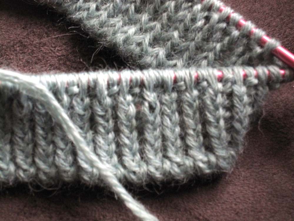 I love 1x1 twisted ribbing...
