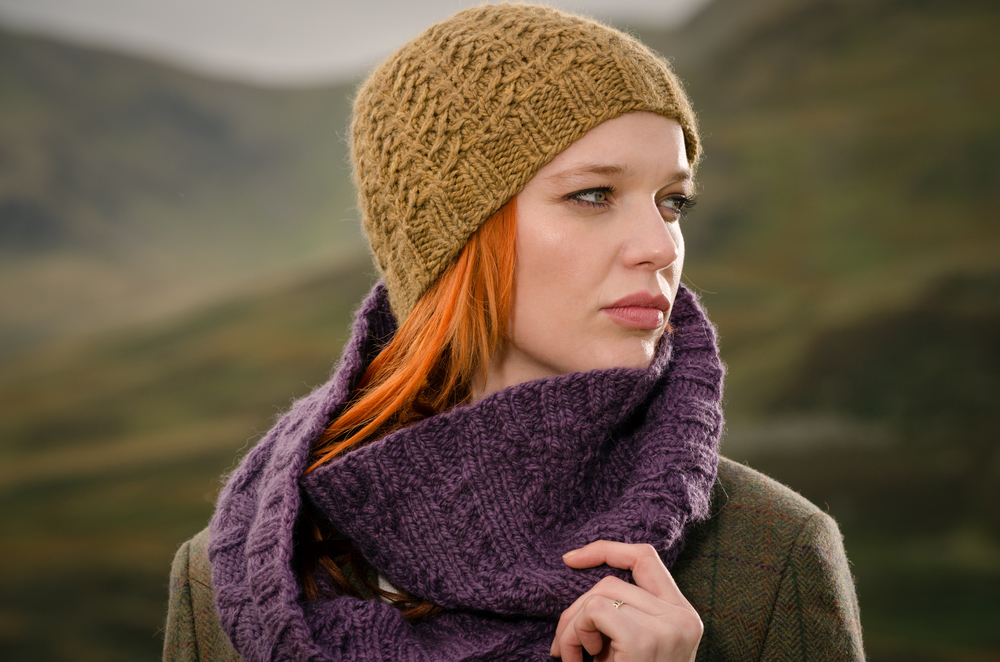 Ifjord Hat and Moen Cowl long version - close up.jpg
