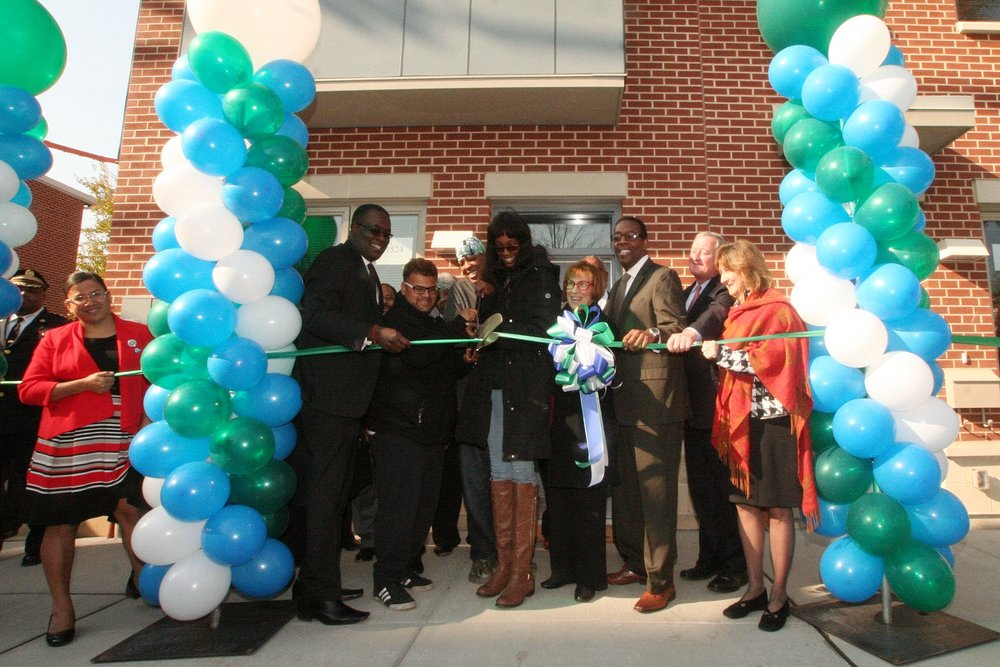 RibbonCutting_BlumbergPhaseI-2.JPG