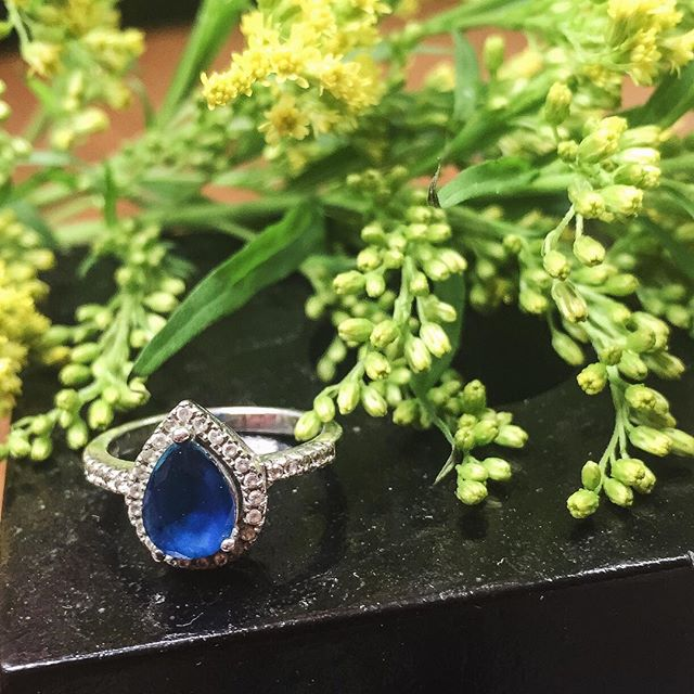 Something new, something blue. #bridal #sapphire #rings #somethingblue #weddingring  #bridaljewelry