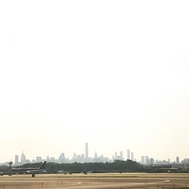 Off to Chicago. See U soon my love @itshannah.lee . . . . #nyc #triptochicago #traveling #nomadlife #newyork #manhattan #photography #cityview #newyorkcity #airport #여행 #뉴욕 #맨하탄 #nycskyline #skyline