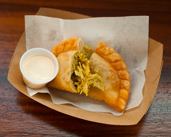 Coconut_curry_chicken_empanada.jpg