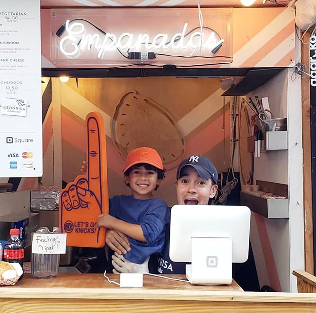 We bring smiles to faces of all ages!! #MadSqEats ends Friday! Make sure you come get your empanada fix before then - also we alway rep NYC, LET'S GO @nyknicks 🏀  #urbanspacegarment #empanadas #urbaneats #garmentdistrict #foodie #madsqpark #flatiron #eeeeeats #buzzfeast #nyc #popup #nyceats #knicks #knickstape