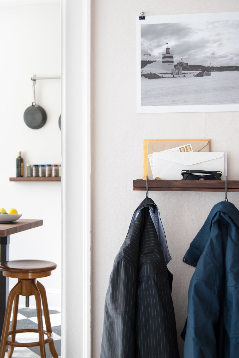 Entry shelf coatrack - SINGULAR wall shelf