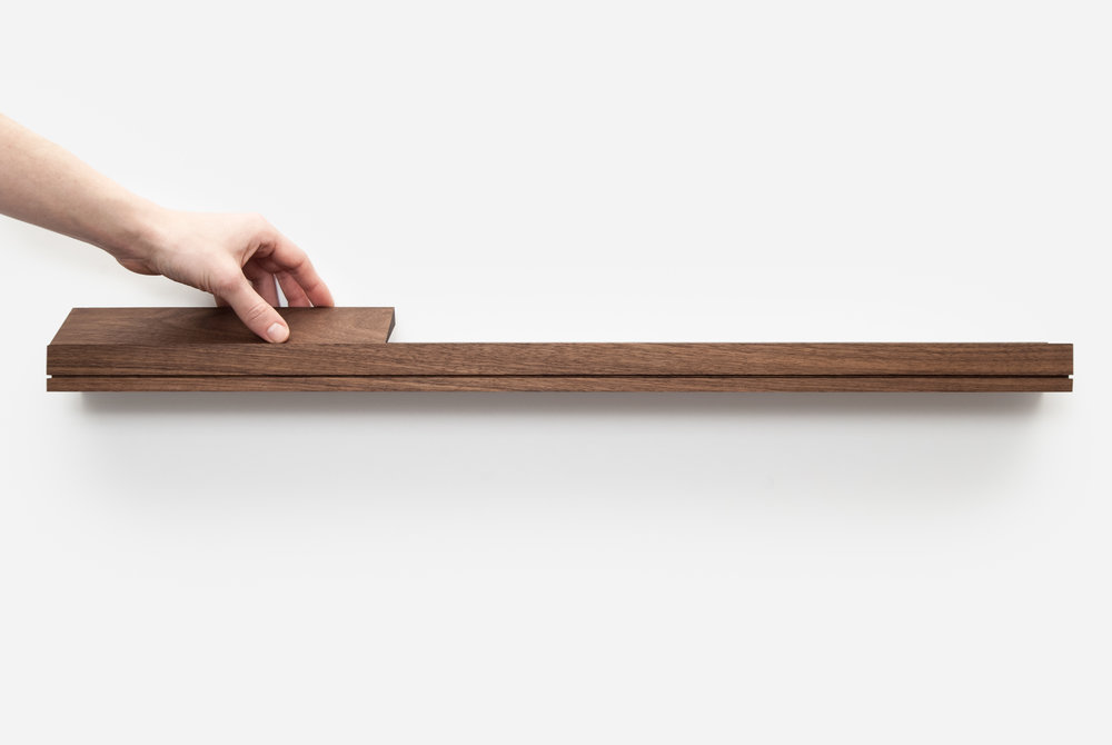 Modern floating shelf in walnut - minimalist design