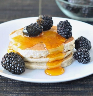 Buckwheat-Hemp-Banana-Pancakes-@spabettie-vegan.jpg