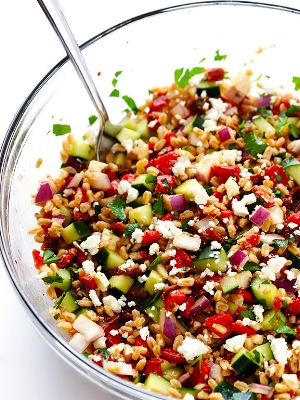 Mediterranean-Farro-Salad-4.jpg