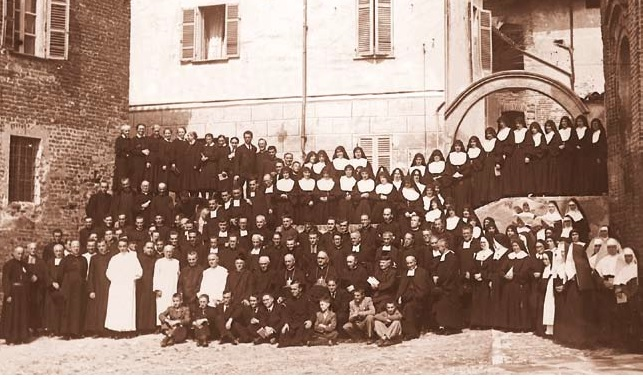 A holy reunion of consecrated religious and priests: Lu, September 1-4, 1946.