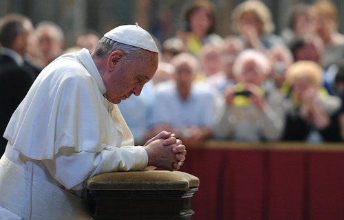 pope francis praying.jpg