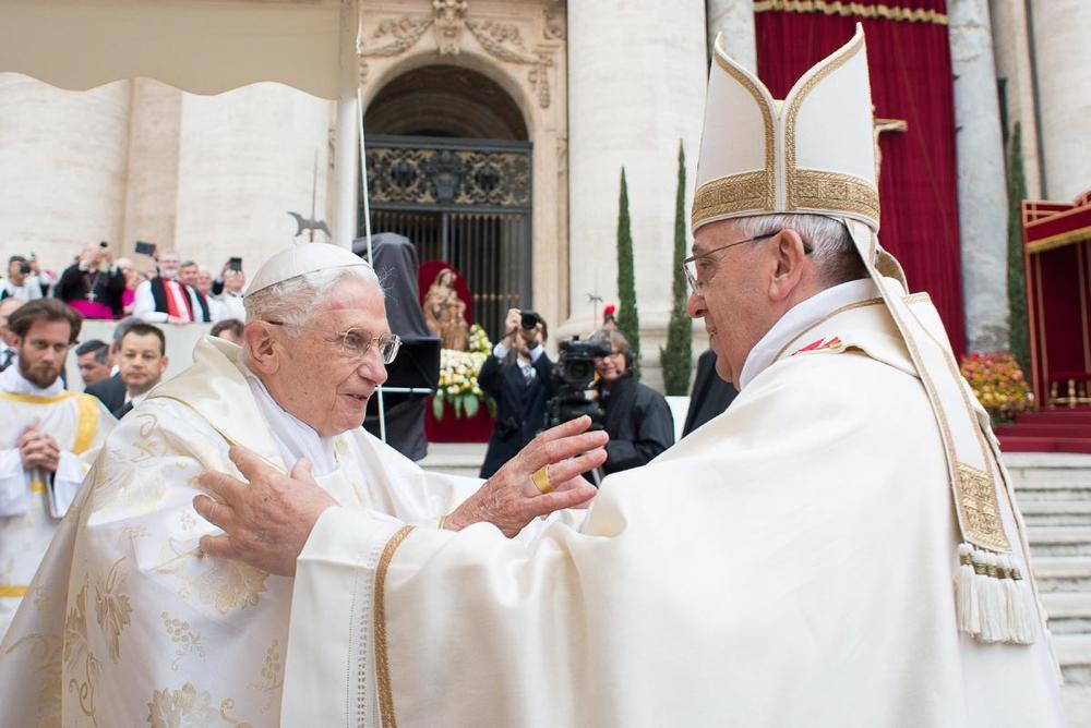 pope-francis-canonization-popes-john-xxiii-john-paul-ii (1).jpg
