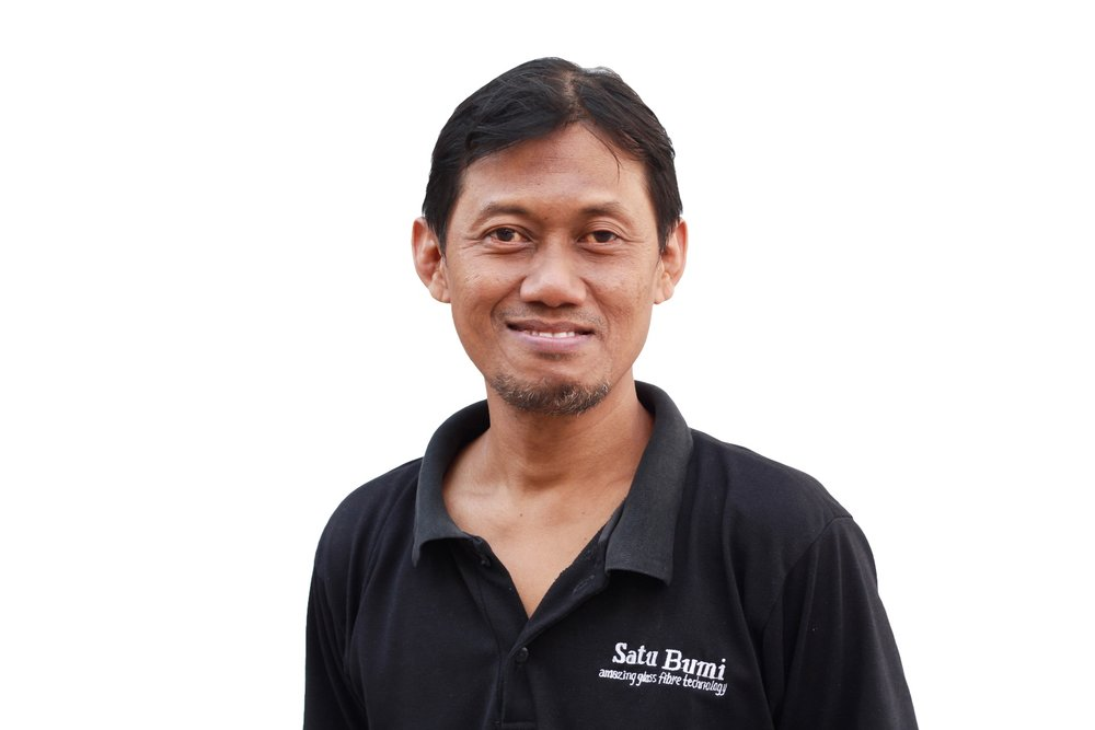 Jati - Production ManagerJati Nugroho has a university degree in Mechanical Engineering and held various senior and responsible positions in project management, quality control management and production control management. The practical experience gained from these previous roles in conjunction with his mechanical engineering training has equipped Jati well for the demanding role of managing the company's production facilities in Yogyakarta.
