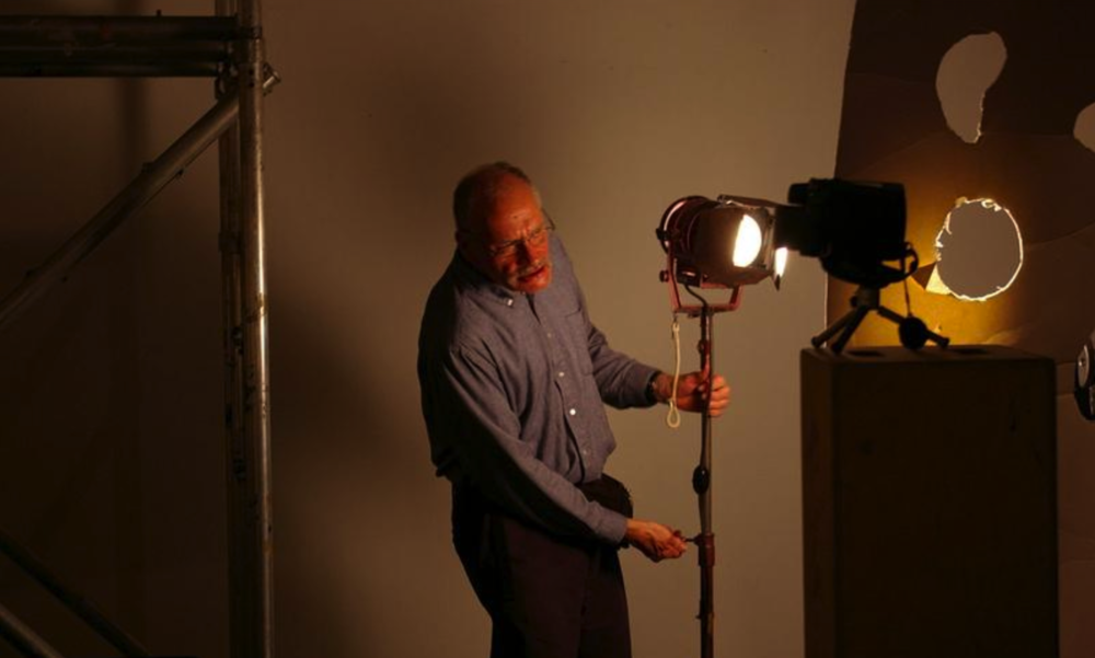 """George Kuchar on set during production of his 2008 film, """"Orphans of the Cosmos"""" ( Michael Robinson Fleming/Wikipedia )"""