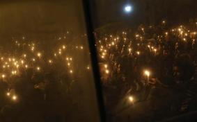 Candlelight vigil in Dehli        http://in.reuters.com/news/pictures/slideshow?                               articleId=INRTR3BYF0#a=105