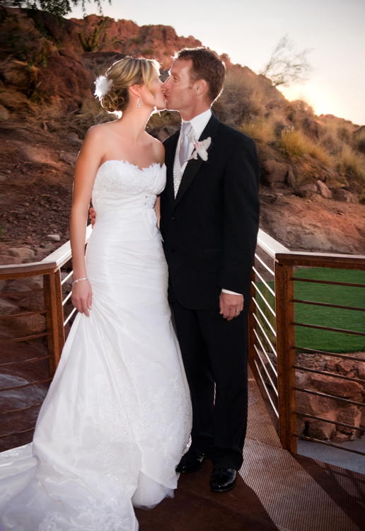 WeddingPhotographer_Scottsdale30.jpg