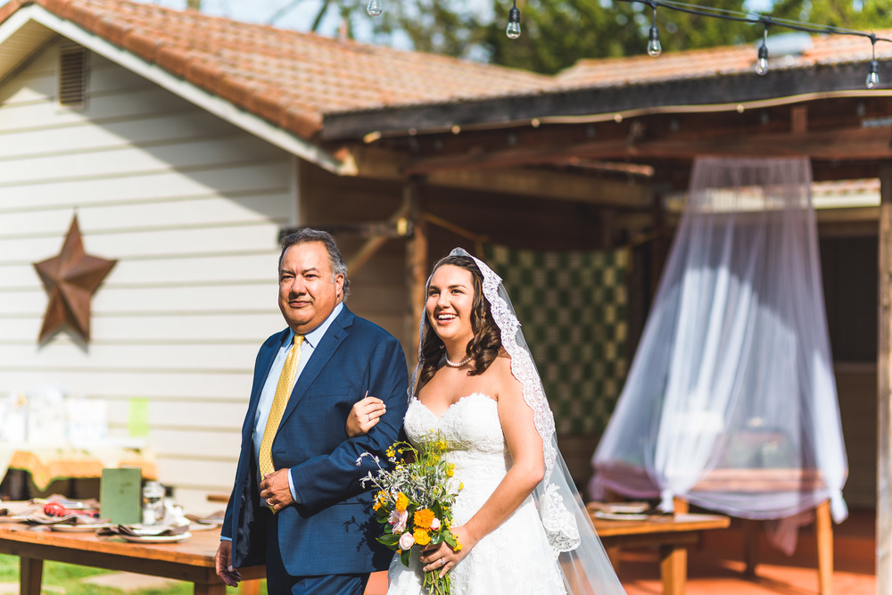 Sonoma_Backyard_Wedding-Chuck_Caroline-028.jpg