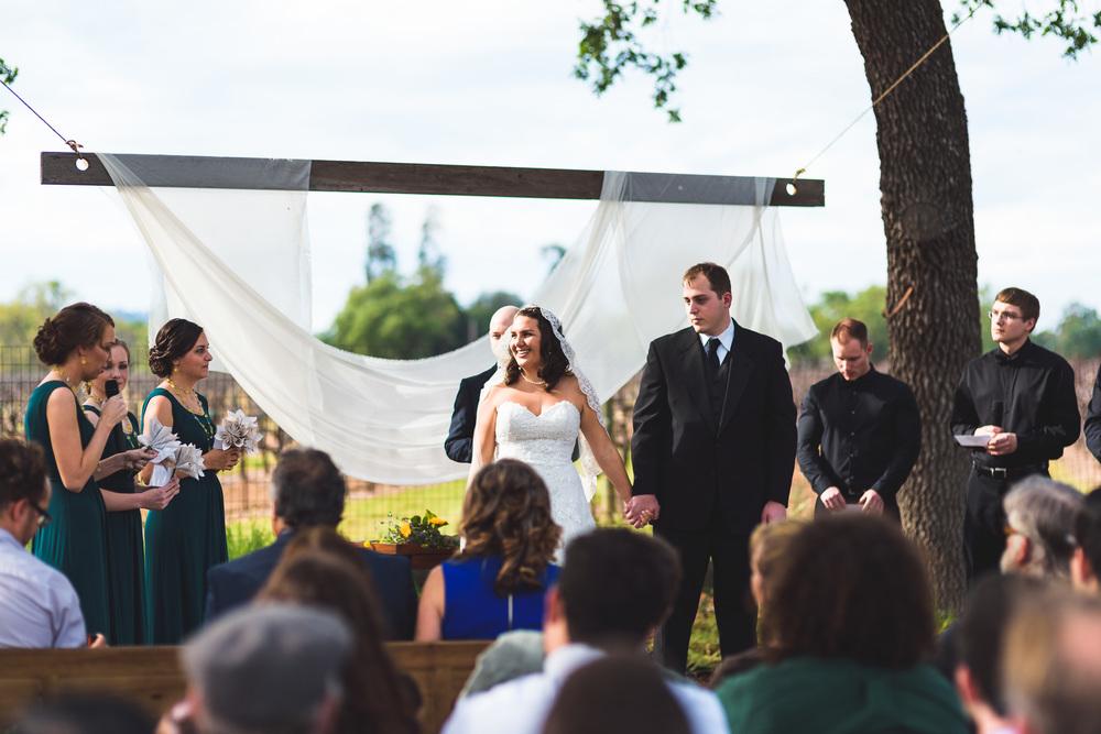 Sonoma_Backyard_Wedding-Chuck_Caroline-033.jpg