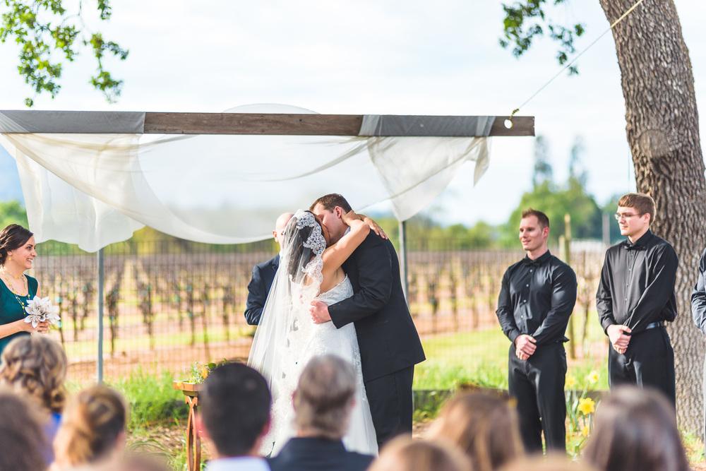 Sonoma_Backyard_Wedding-Chuck_Caroline-035.jpg