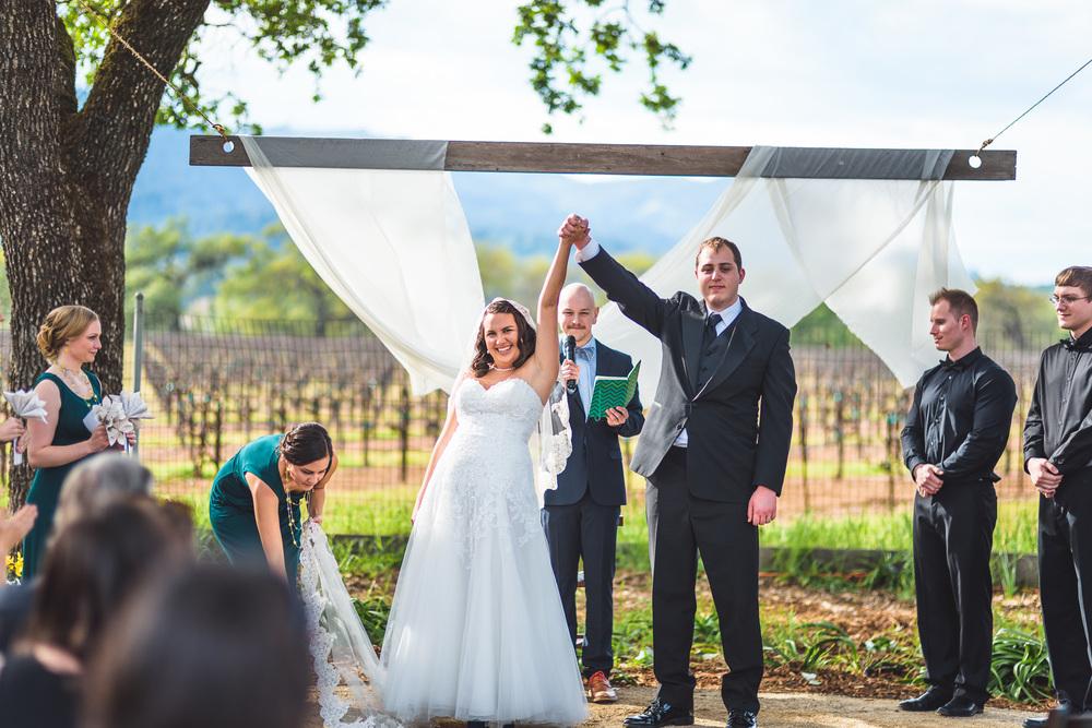 Sonoma_Backyard_Wedding-Chuck_Caroline-037.jpg