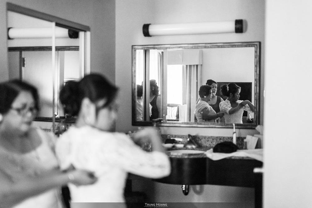 09-Bride-getting-ready.jpg