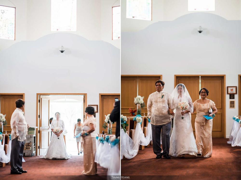 18-bride-enters-church.jpg