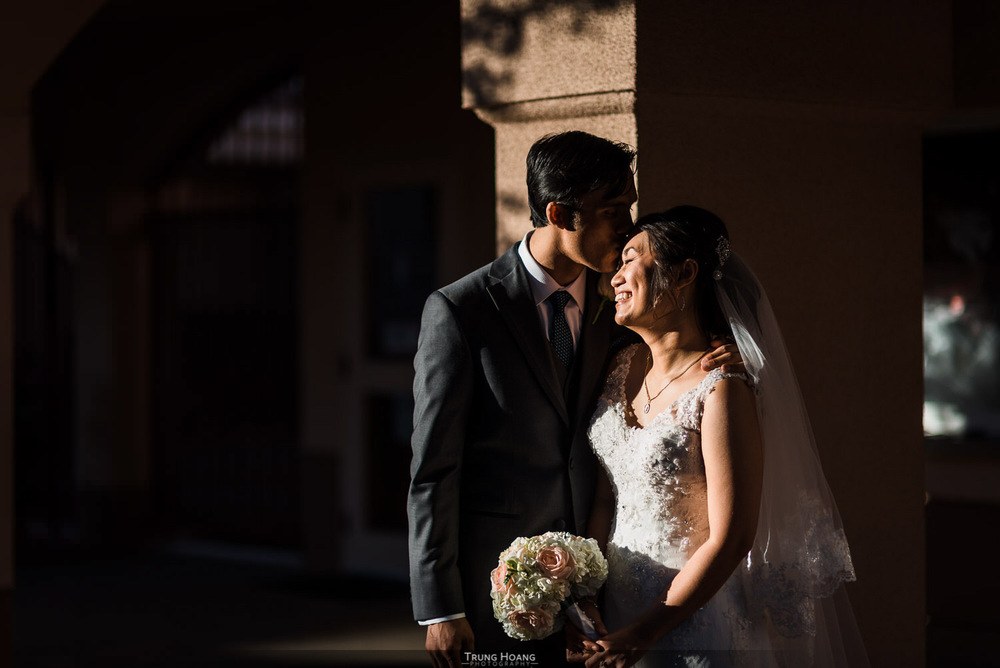 33-artistic-lighting-wedding-photography.jpg