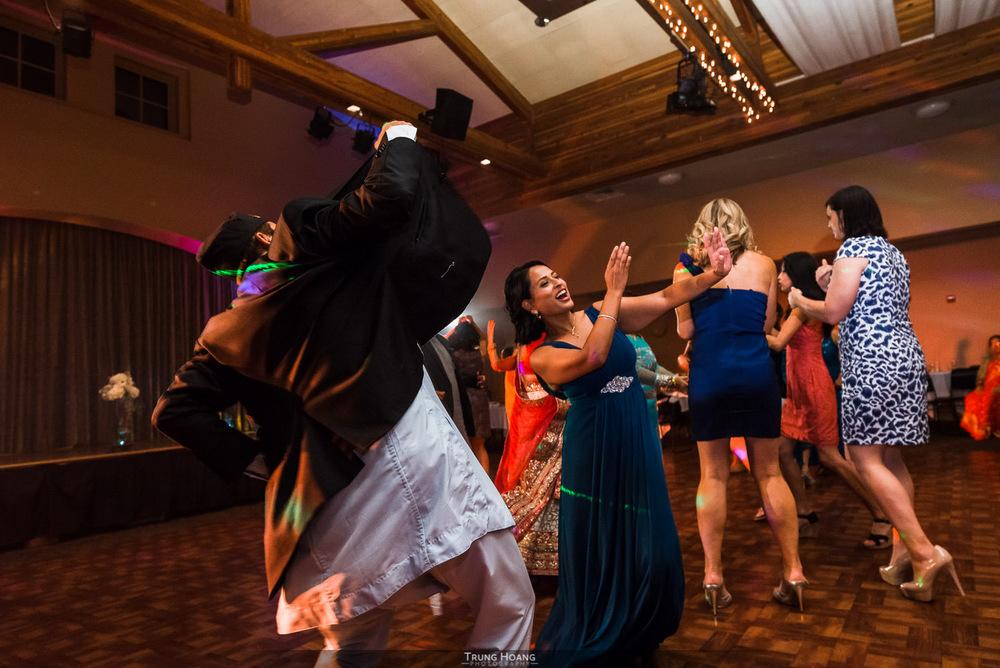 65-guests-dancing.jpg