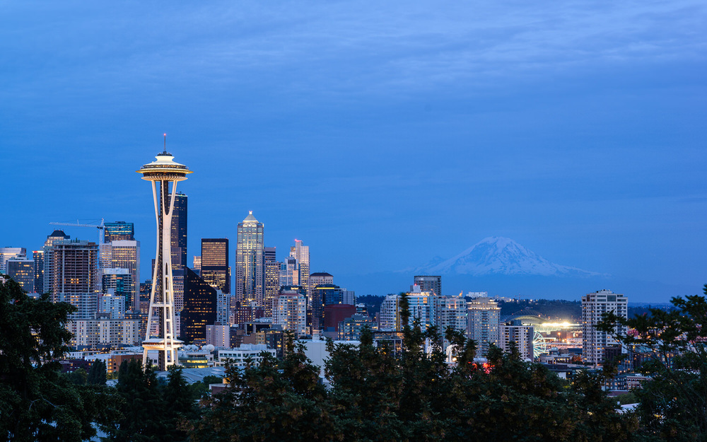Seattle Skyline Kerry Park Evening.jpg