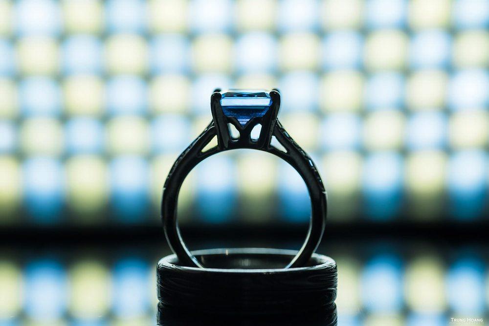 Artistic Creative Wedding Ring Photo