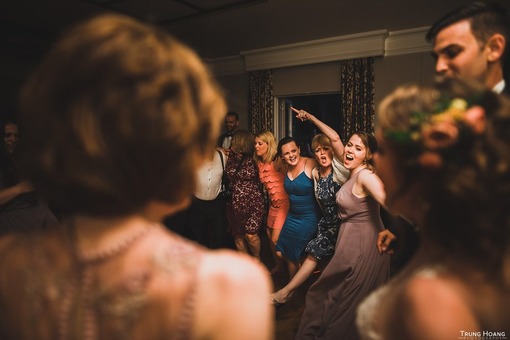Wedding - Dancing to Come On Eileen