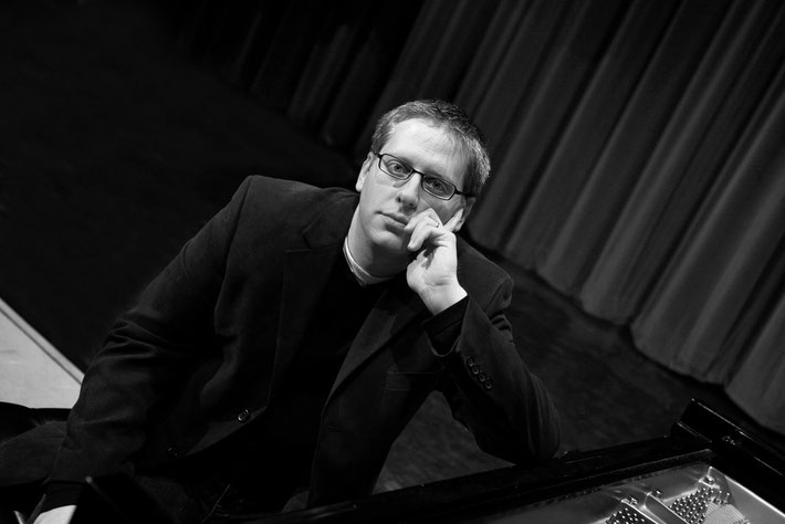 Pianist Nicholas Phillips