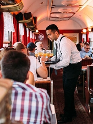 FLYING RAILWAY BRUNCH&DINNER   Internationale Hotelkette