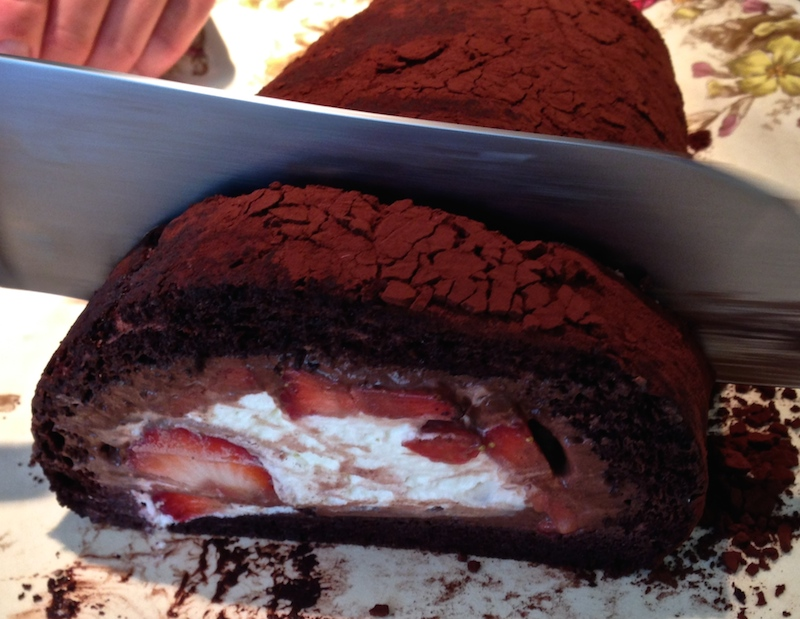 Chocolate & strawberry roll by Eiggy Bread