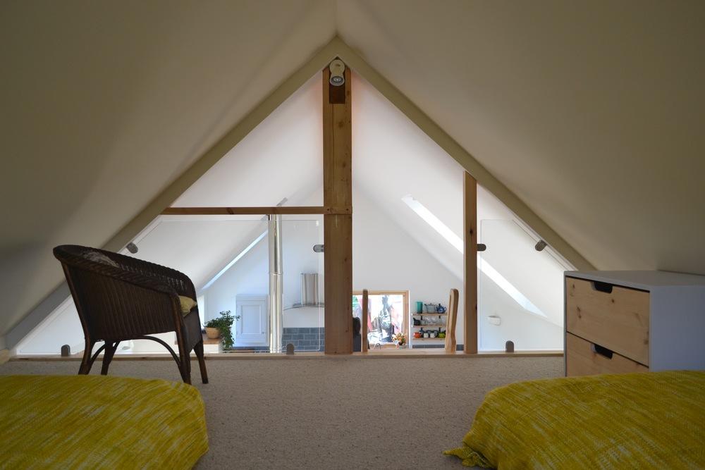 Mezzanine twin bedroom.