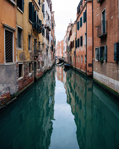 "Venezia, Italia.  ""a city with no cars..."""