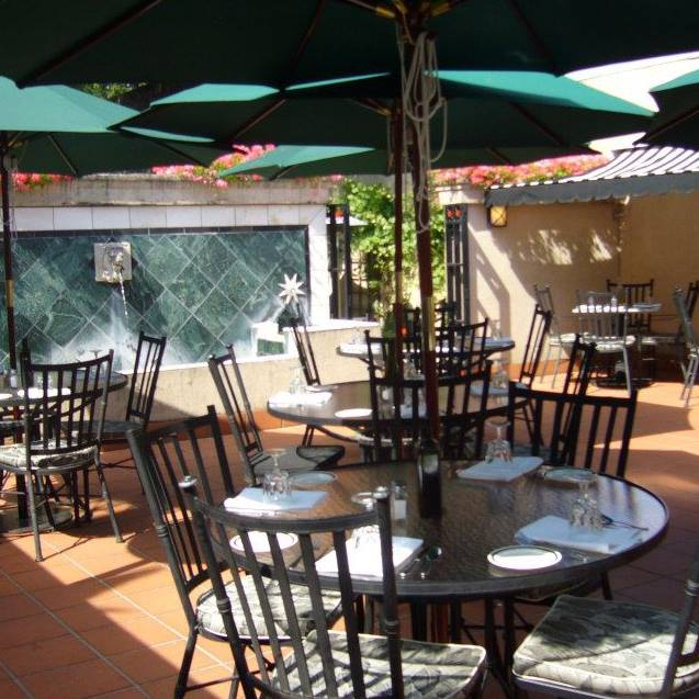 upper patio 3.jpg