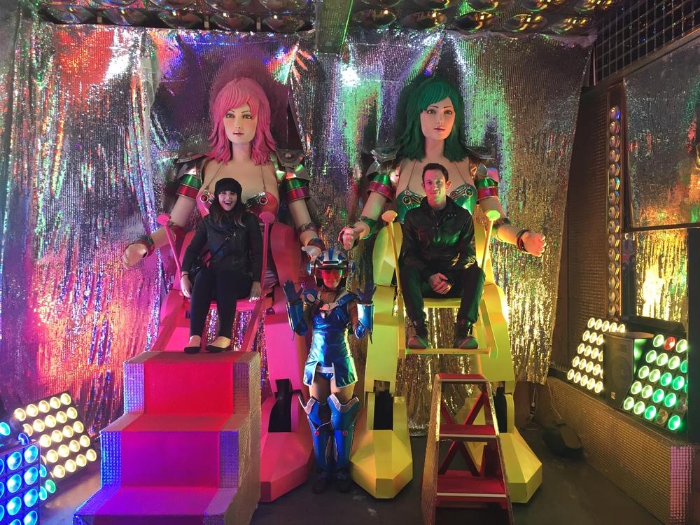 Robot Restaurant Tokyo | metalandhoney.com