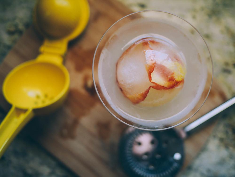 metalandhoney.com | Lychee Rose Ice Spheres Gin Cocktail