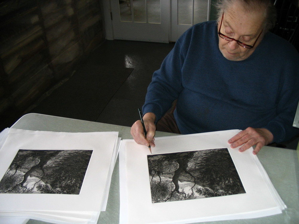 Jack signing the edition, April 28, 2005.