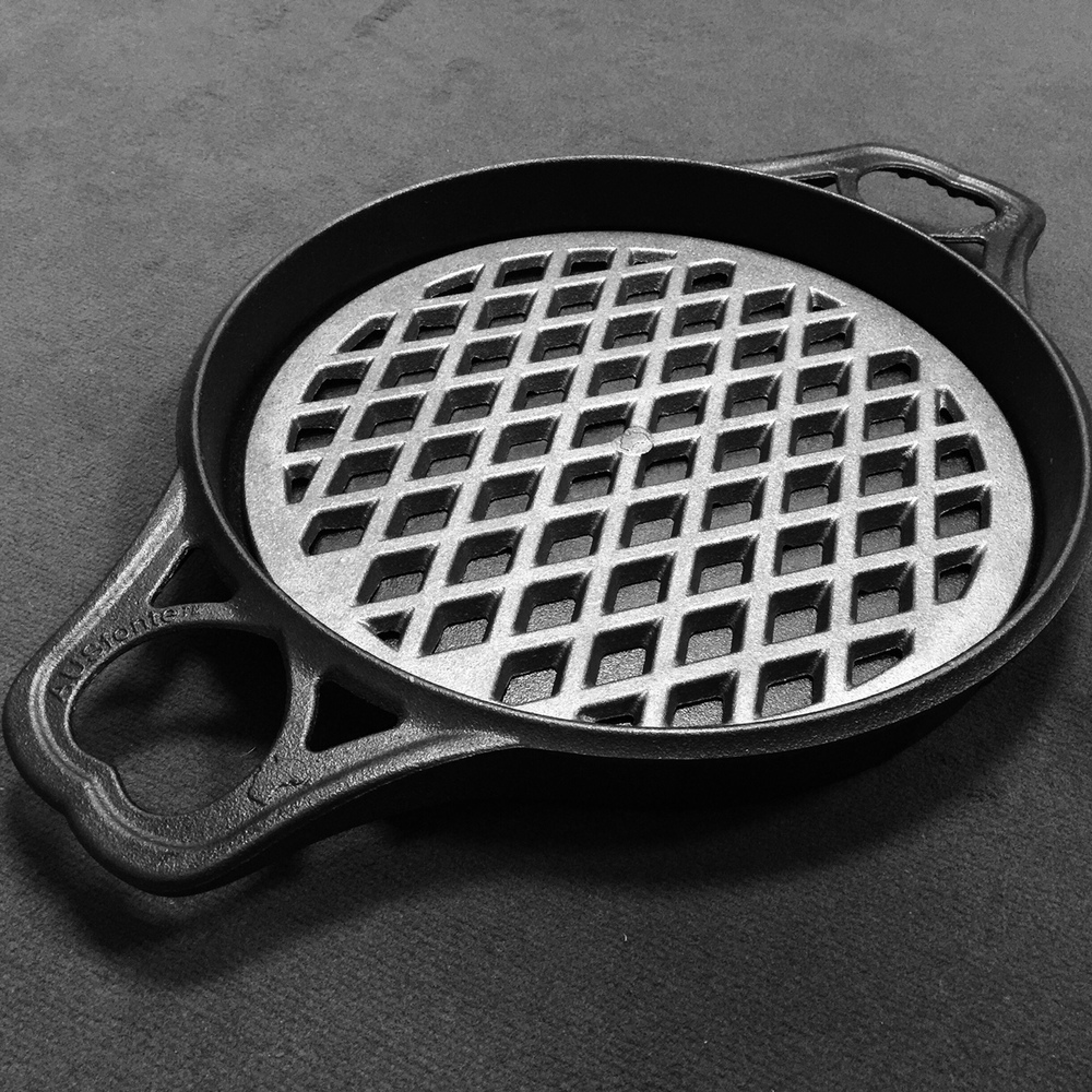 Solidtekniccs AUSfonte Pan Grill-it cast iron grilling insert Large BIGskillet 10-6-15a.jpg