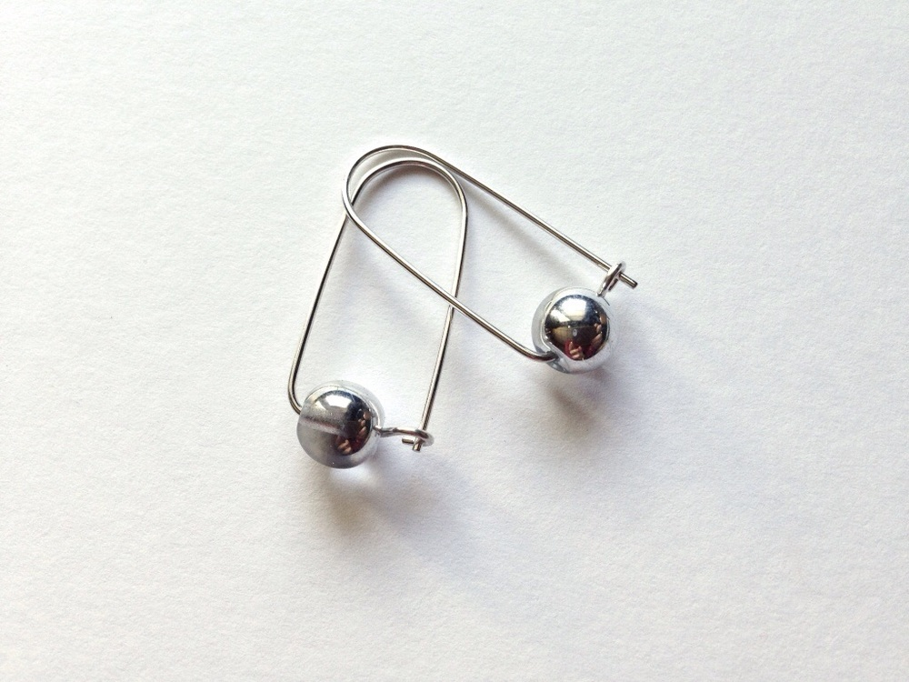 which are your favorite ear wires? shiny or oxidized? I can't decide either....that is why both are always an option.