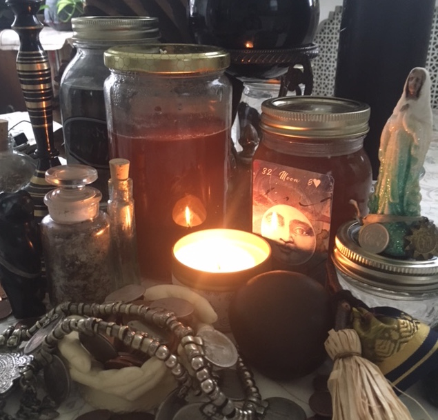 A Dark Moon goddess altar for healing.