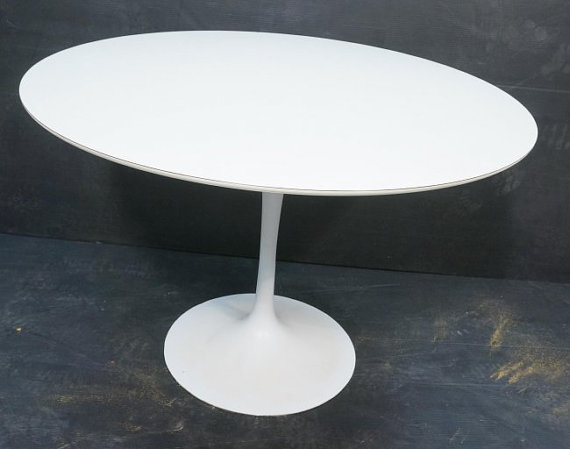Knoll In Round Laminate Saarinen Pedestal Table With White Base - Knoll pedestal table