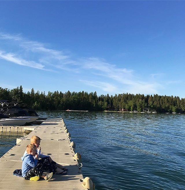 sunshine and strawberries on the dock. happy Memorial Day. 💙❤️ #Memorialday #happymemorialday #whitefishlake #thelodgeatwhitefishlake #lifeisgood